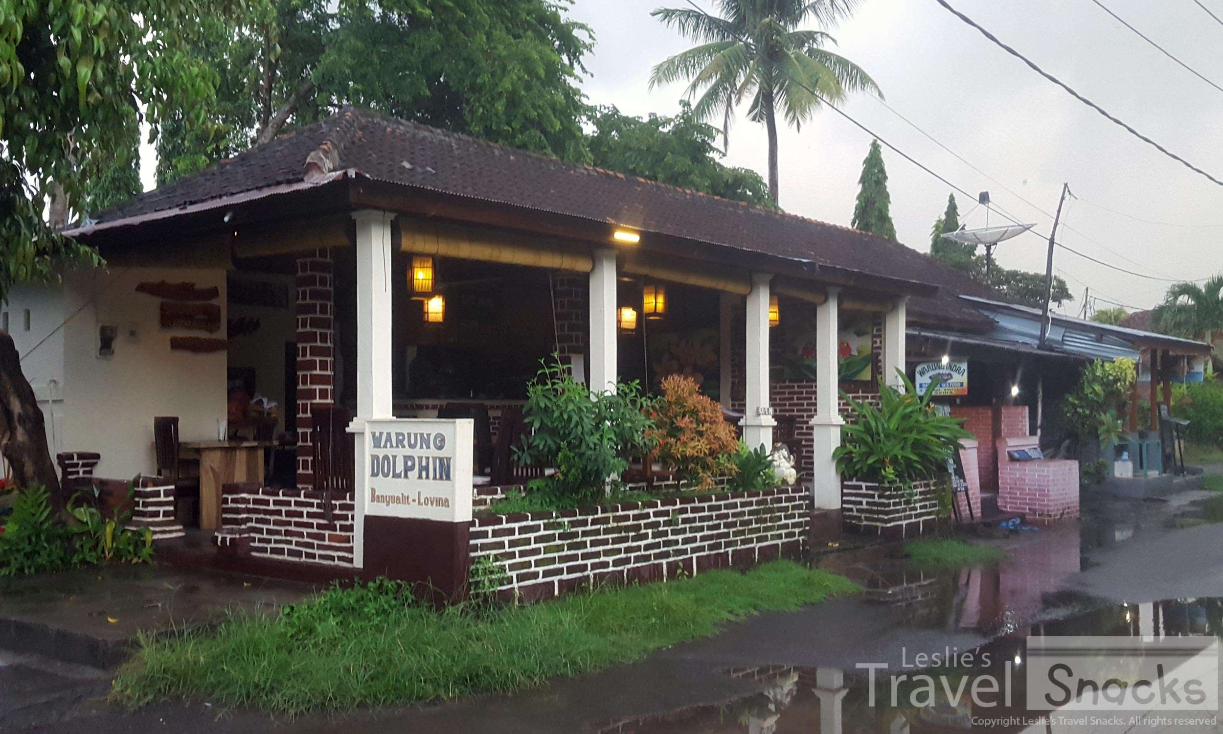 Warung Dolphin has a really nice atmosphere. It's smaller and by the water.