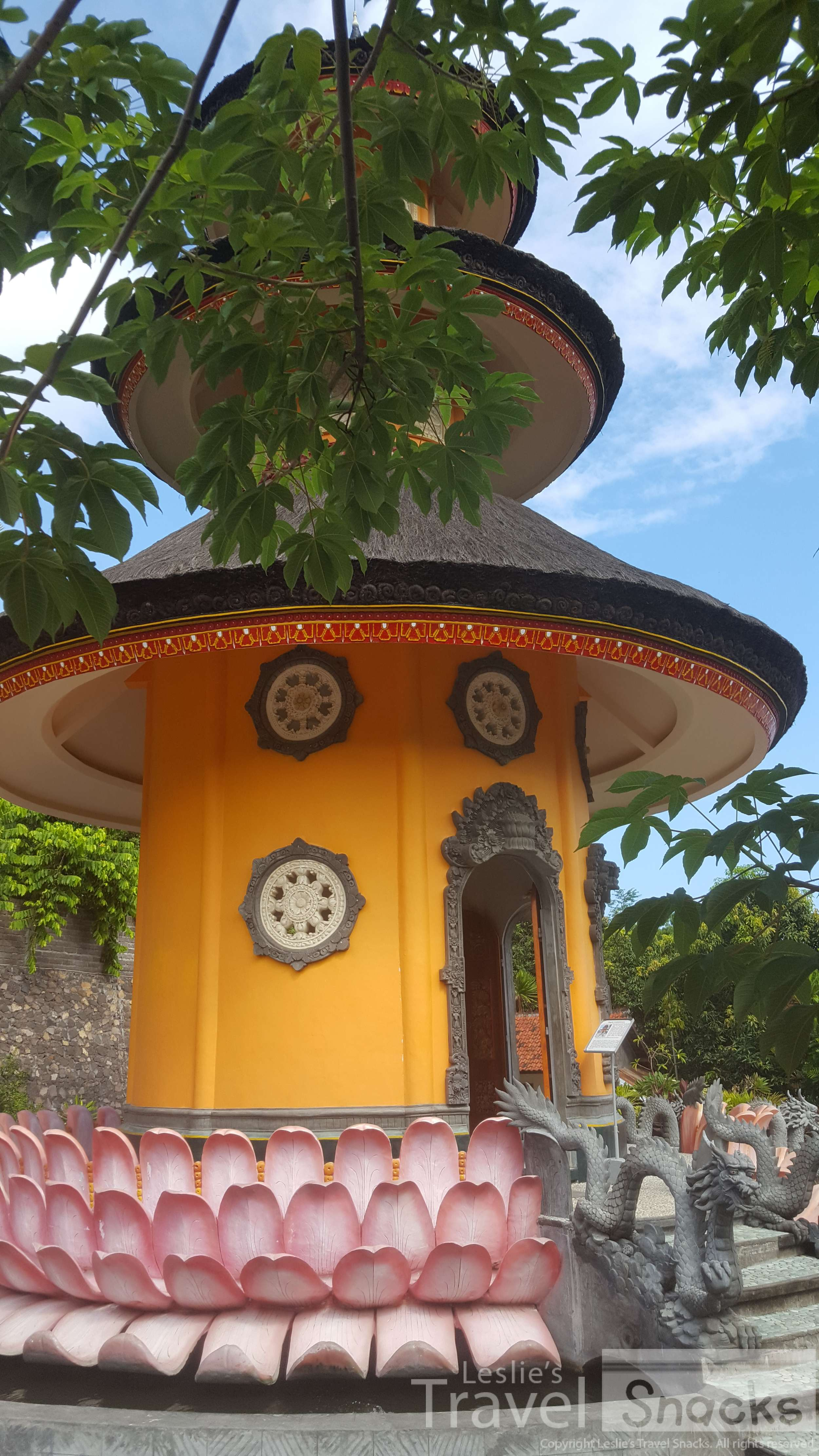 This pagoda, sitting on a giant lotus flower, represents complete love for all mankind.
