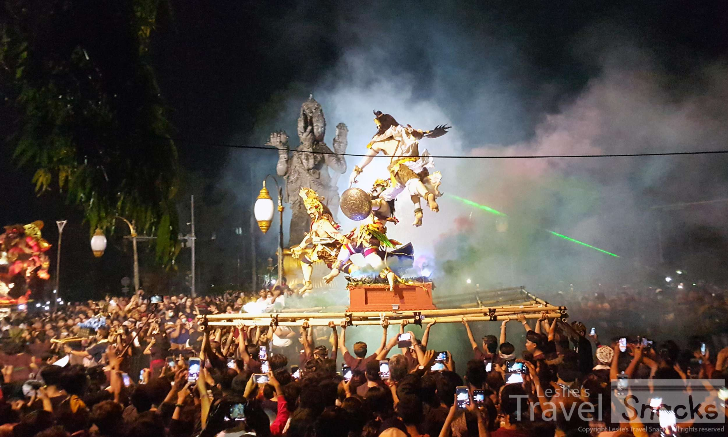 The Patang Catur Muka roundabout in Denpasar is THE BEST place to see the Ogoh-Ogoh parade!!